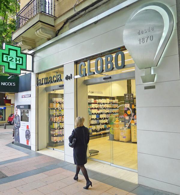 Devanture de pharmacie moderne