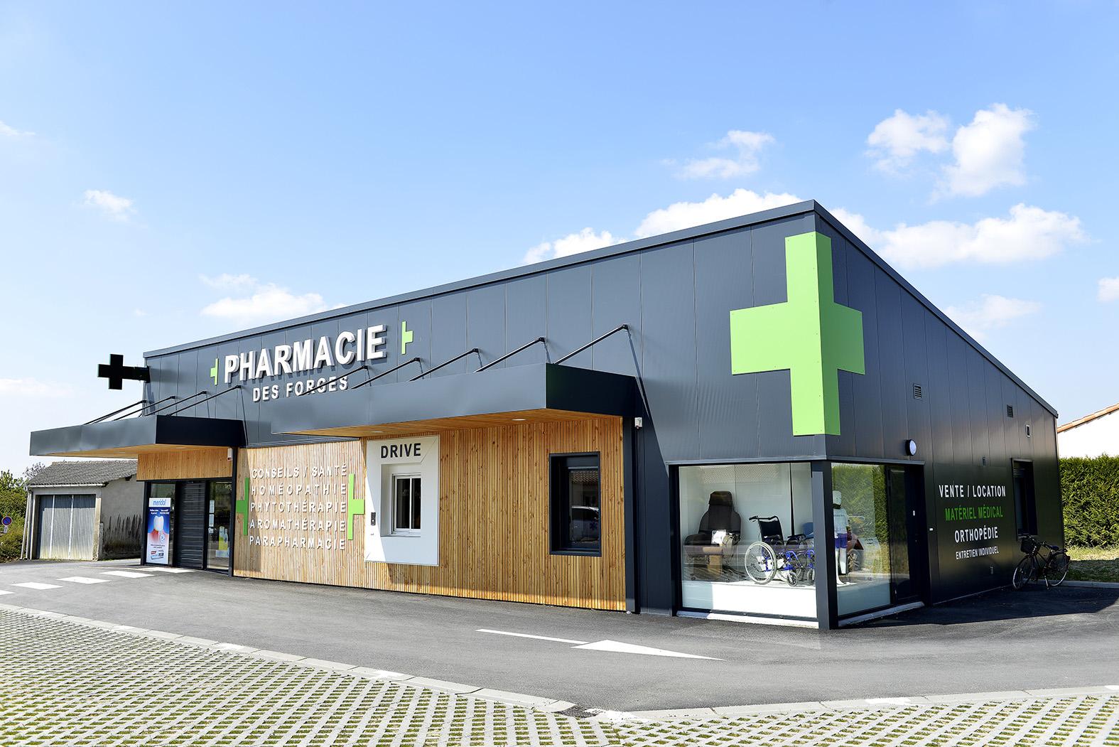 Agencement de pharmacie Mobil M façade pharmacie