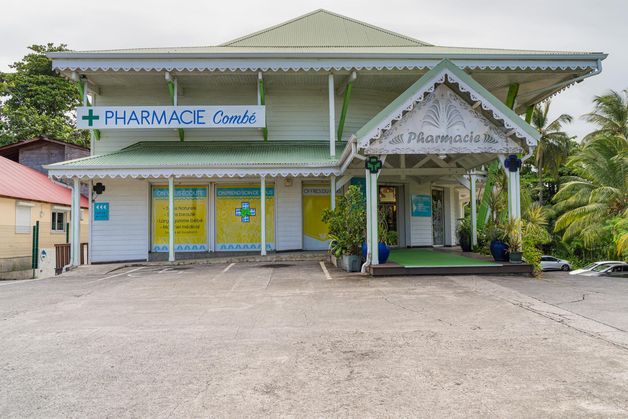 Agencement de Pharmacie Combé Mobil M