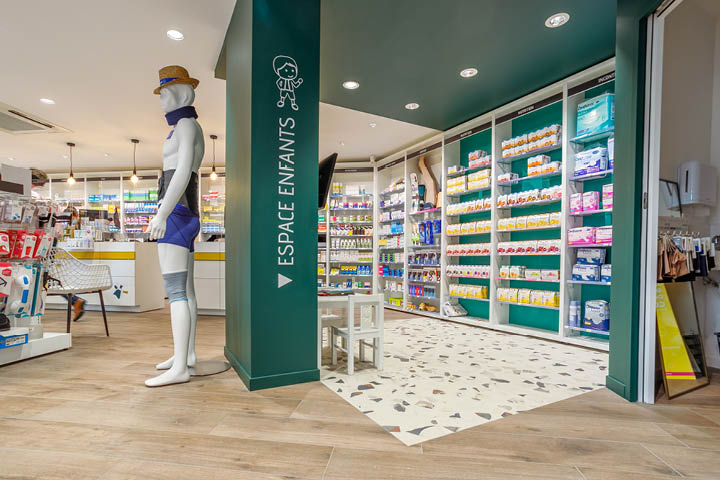 Espace orthopédie pharmacie couleur vers pin carrelage terrazo