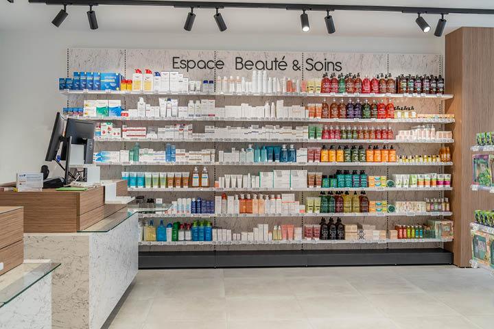 Linéaire pharmacie espace beauté en marbre et bois pharmacie des Charentes -  Mobil M