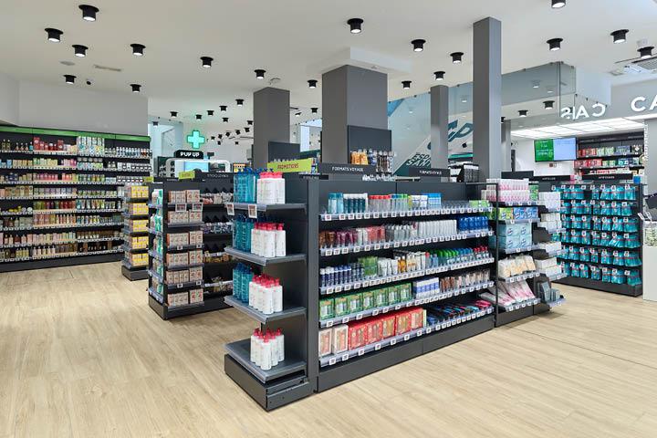 espace parapharmacie agencement de la pharmacie Carré Opéra Paris Gondole pharmacie grise amovible Mobil M.jpeg