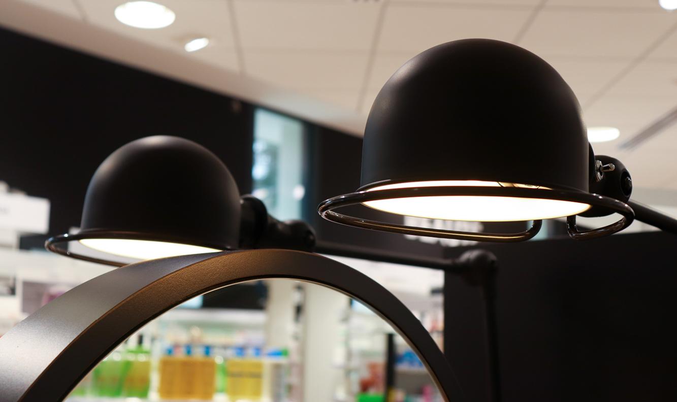 luminaire industriel métal noir meuble beaute et maquillage pharmacie des calins cholet mobil m